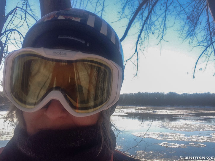 woman wearing winter goggles