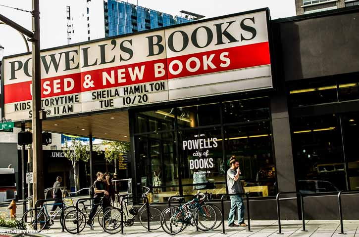 Powell's Books, Portland